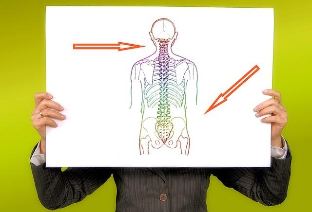 Valu vasaku kae olaosas, kui kaed tagavad kaed Kuidas toime tulla valu liigestes