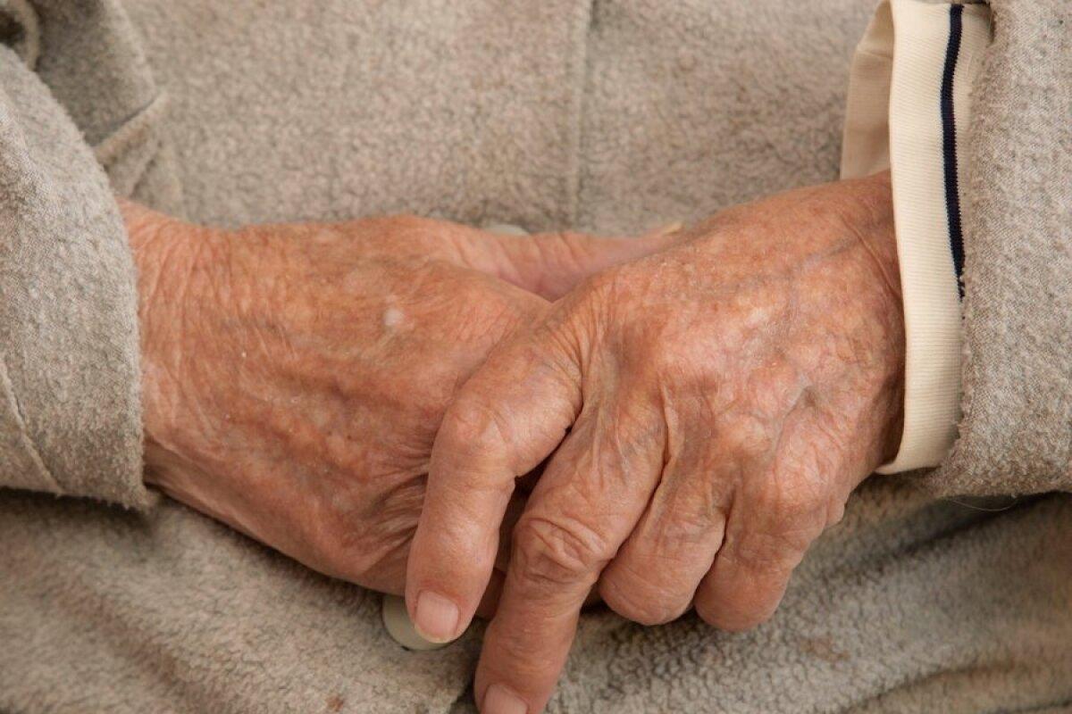 Ahviliste liigeste artroos 1 2 kraadi Haiget kanna polve