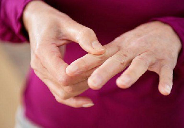 Liigese valu sormed Osteokondroos Brachiaalse uhise 1 kraadi